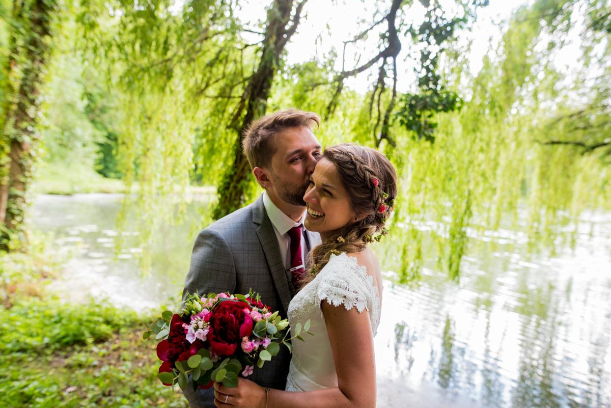 photos de couple arras bouquet de mariée